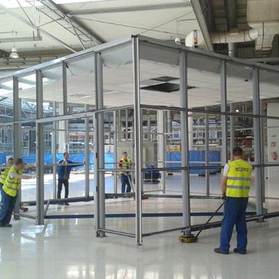 Kompleksowa budowa pomieszczeń biurowych wewnątrz hal produkcyjnych
